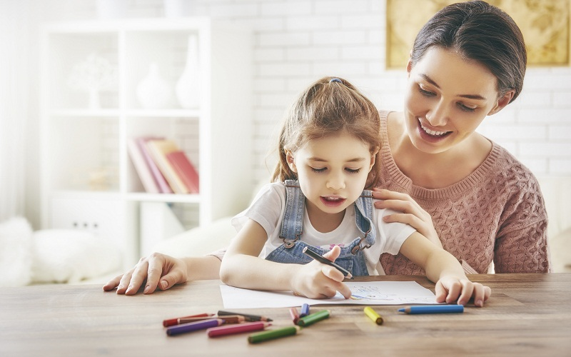 discover children to behave at the table